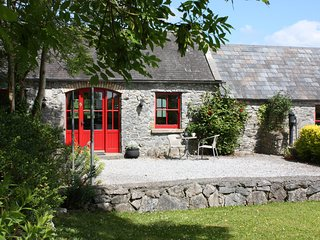 Fuchsia Lane Farm Terryglass Ireland - Granary Cottage