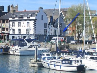 PLYMOUTH BARBICAN WATERSIDE FLAT