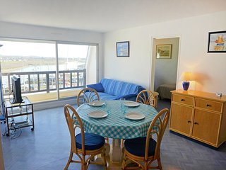 2 bedroom Apartment in Cabourg, Normandy, France : ref 5513439