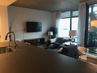 Executive 2 bedroom 2 bathroom Downtown Vancouver