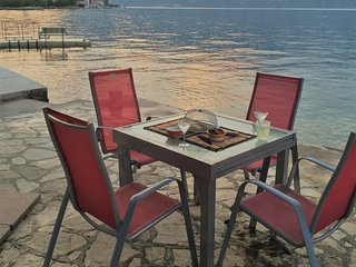 Heritage Stone Villa,Waterfront,Walled Garden,Guest Suite,Kotor Bay Views &Jetty