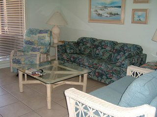 Beach Front 2bedroom/2 bath condo with beach view in every room