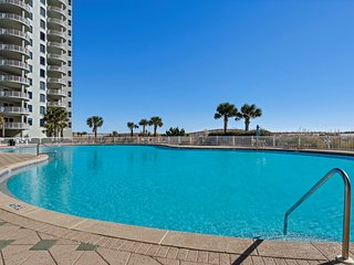 Gorgeous 3 beds/3 baths Luxury Condo w Spectacular Beach Views! New Owners!