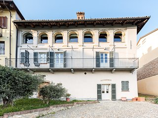 Villa Langhe - Luxury home in the Barolo hills