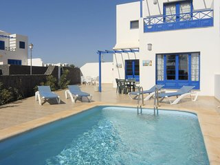 Three Bedroom Villa Close To Marina Rubicon