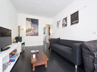 Nice clean apartment in the Westerpark area, 10 min. walk from the city centre.