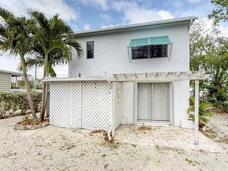 NEW LISTING! Charming & inviting beachside getaway-close to dive shops & marina