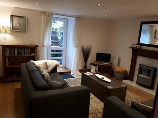 The garden Flat,Comfortable accomodation In the heart of the Windermere.