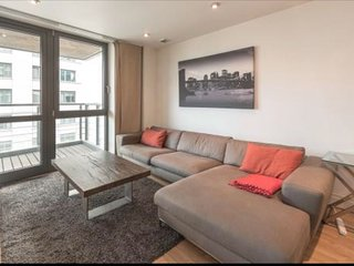 Apartment in London with Lift, Balcony, Washing machine (969788)