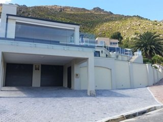 Villa in Cape Town with Internet, Pool, Air conditioning, Parking (924318)