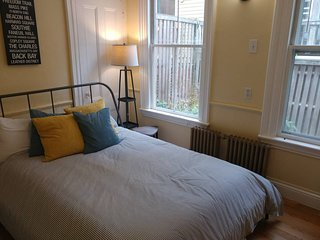 2BD Apartment between Central Sq & Harvard Sq