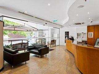 206 Superior Studio Perth CBD sleeps 2 biz ready - hotel style