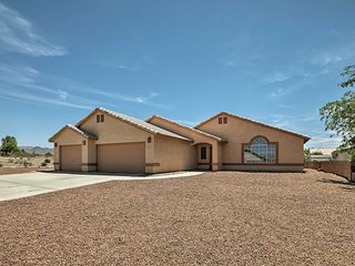 Fort Mohave Home Mins from Colorado River!