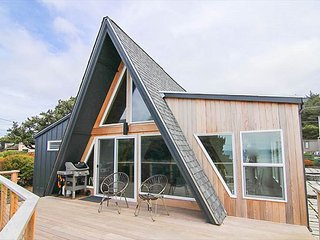 Private, Gorgeous Retro Style A-Frame is Steps from the Beach Near Newport!