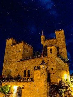 castillo deLamas foto nocturna