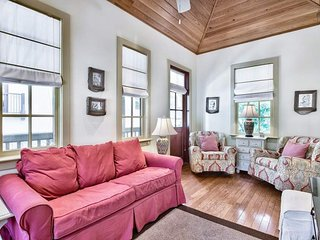Cozy carriage house in the heart of Rosemary Beach - Big Thyme Carriage House