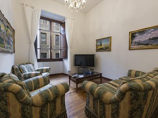 Merovingio  apartment in Duomo with WiFi, air conditioning & lift.