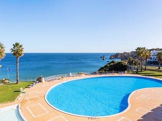 T2 Gaivota - Wifi, Sea Views and Swimming Pool