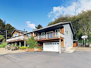 Shiloh by the Sea 6BR w/Ocean Views, Hot Tub, Game Room, Fire Pit, Volleyball