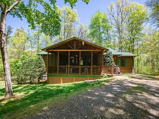 Charming 3 bedroom on 10 private acres with a small branch below and hot tub!