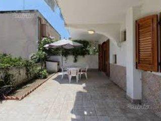 Tonnarella - Trilocale piano terra di 50 mq + 40 mq veranda a 150 mt dal mare