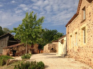 Le Pradier - Traditional Perigord Farmhouse.