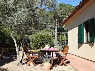 Detached house only 1 Km. from the beach with big garden. Barbeque area