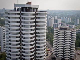 Near SPODEK Katowice Lovely Apt W/Lakeview & KingSize 10min, by Amusement Park