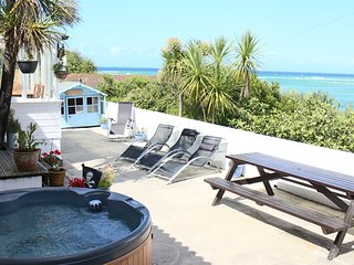 Beach Bungalow with Hot Tub Free Parking Absolute Beach Sea Front Unlimited Wifi