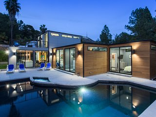 The Dreamwood - Modern Private Retreat Under the Hollywood Sign-Newly Remodeled!