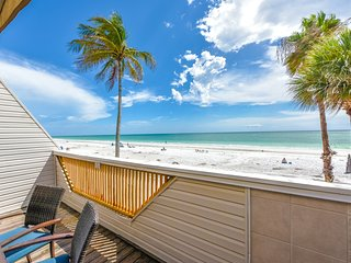 5 Bedroom Beachfront Home on Siesta Beach!! 49 Beach Rd