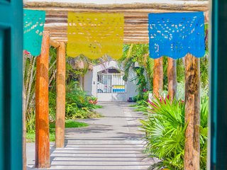 Cozy 4 bedroom Villa in downtown Cozumel. V8
