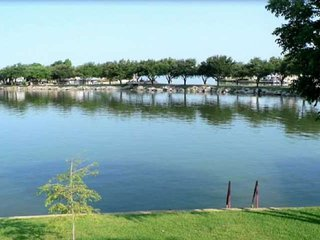 The Fish Are Calling - Can You Hear Them? Waterfront Home on Lake LBJ with Dock,