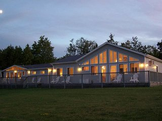 Hilltop home w/ large deck & spectacular views of the Lake Champlain Islands!