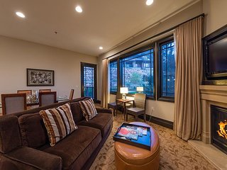 3 Bed 3 Bath Residence 5 Star Resort - Ski In/Out - 60 percent off Hotel Rate