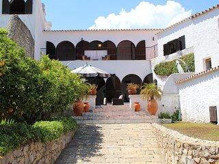 Casa Labirinto, charming 4 bedroom villa, Sao Bras de Alportel.