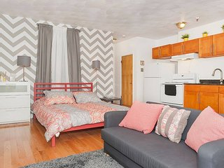 Large Studio in Theater District