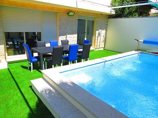 PortoHouse - House with private heated Pool in Oporto - 12 persons