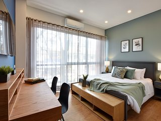 Granada Executive Suites - Elegant and Comfortable Studio in Great Location