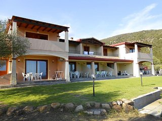 Chia Holiday Home Sleeps 6 with Air Con and WiFi - 5826315