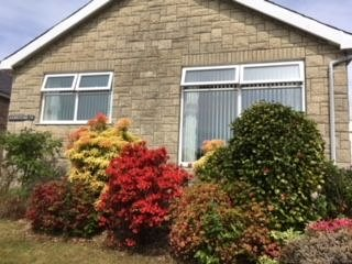 3 Bedroom Bungalow in Lovely Coastal Village 4 Miles From Barmouth