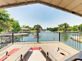 Lazy Cove - Lakefront on Lake LBJ w/ Private Dock & SUPs!