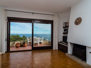 Begur Apartment Sleeps 4 with Pool - 5246949