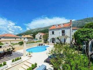 5 bedroom Villa in Dubrovnik, Dubrovačko-Neretvanska Županija, Croatia : ref 562