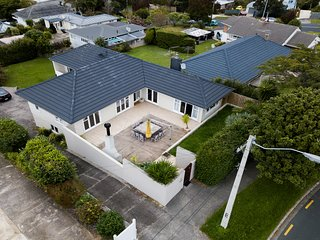 St Heliers Premium 4 Bedroom House with Mountain View
