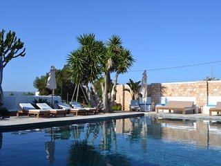 Casa con piscina y jardín a 10 minutos de Ibiza