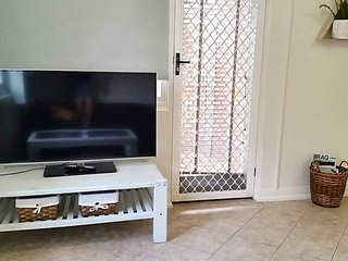 Lovely 2 Bedroom Apartment in Heart of Leichhardt