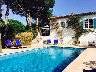 Luxury villa with private garden & Pool near beach in Sainte Maxime.