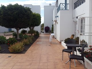 Costa Teguise, 2bedroom near Bastian beach