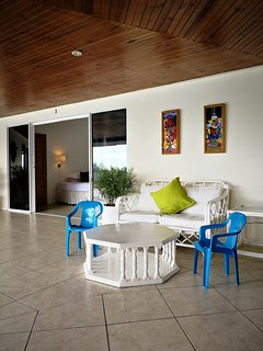 Lounge area w chairs for kids on the veranda